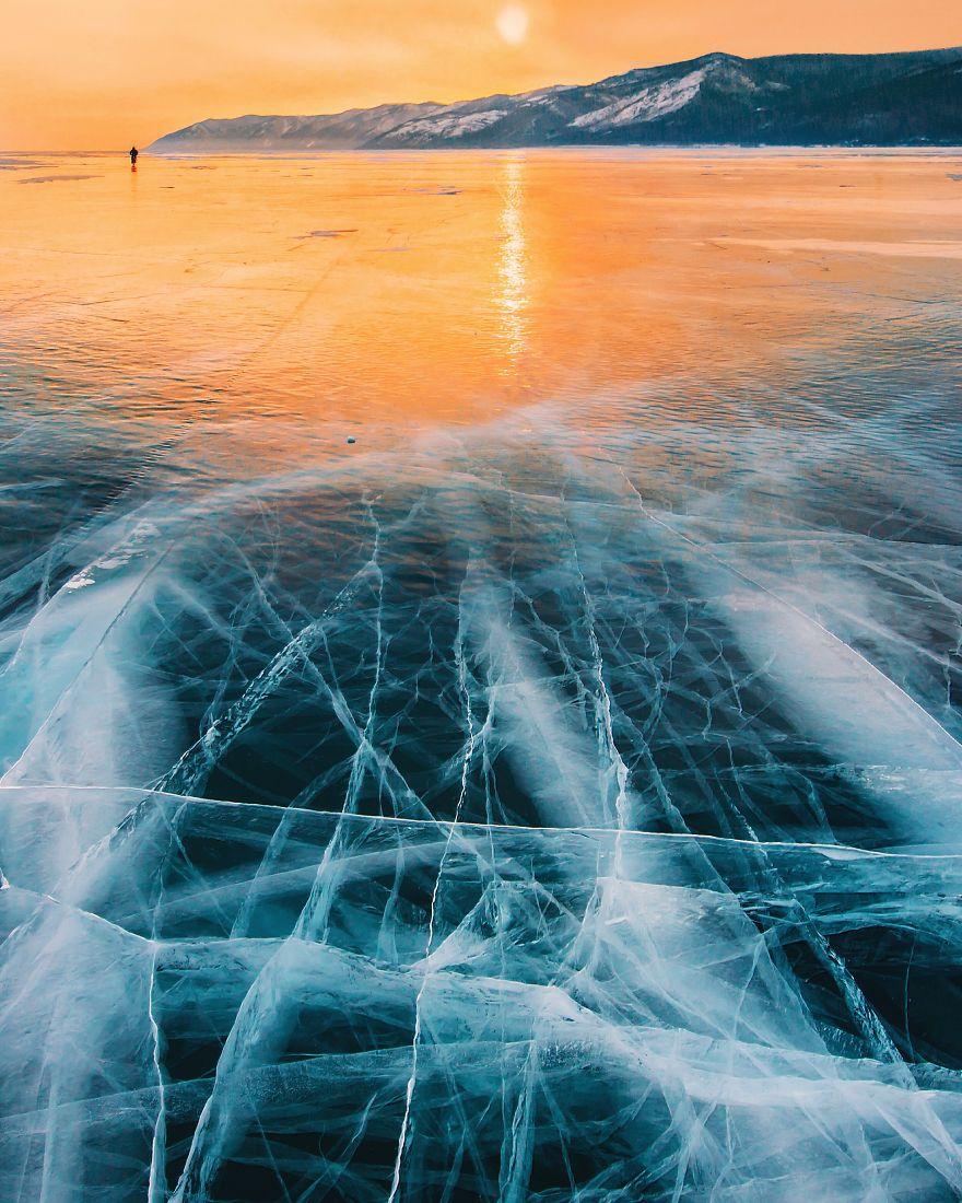 Frumusetea celui mai adanc lac din lume, iarna - Poza 5