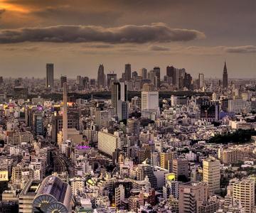 Fascinatia metropolei: La Tokyo cu Phil Munro