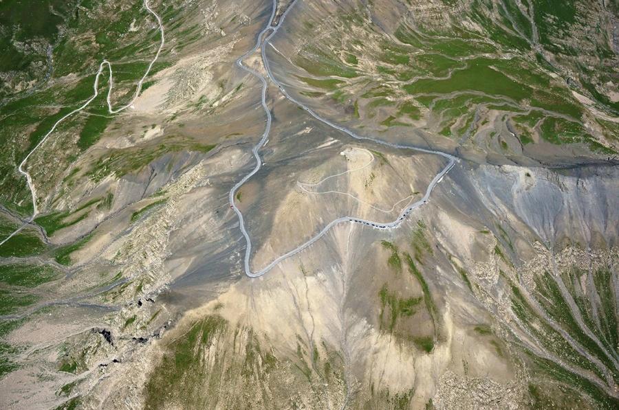 Aventuri memorabile: Cele mai periculoase drumuri din lume - Poza 12