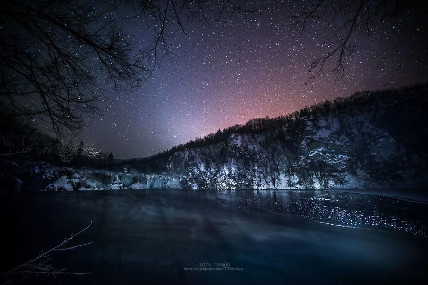 Splendoarea cascadelor inghetate din Croatia - Poza 11