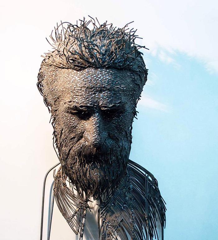 Impresionantele sculpturi din sarma ale lui Darius Hulea - Poza 6