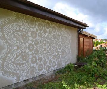 Varsovia dantelata de o artista urbana