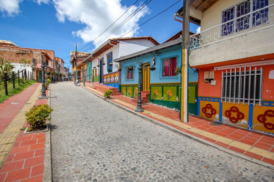 Un deliciu vizual: Cel mai colorat oras din lume - Poza 6