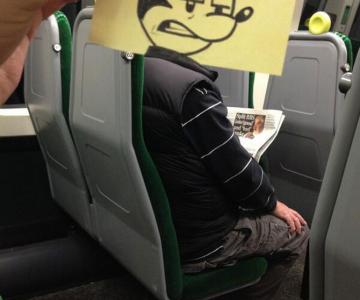 Caricaturi la metrou, de October Jones