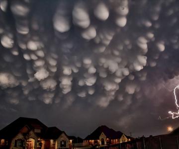 Cele mai spectaculoase formatiuni noroase, surprinse ca camerele de lu