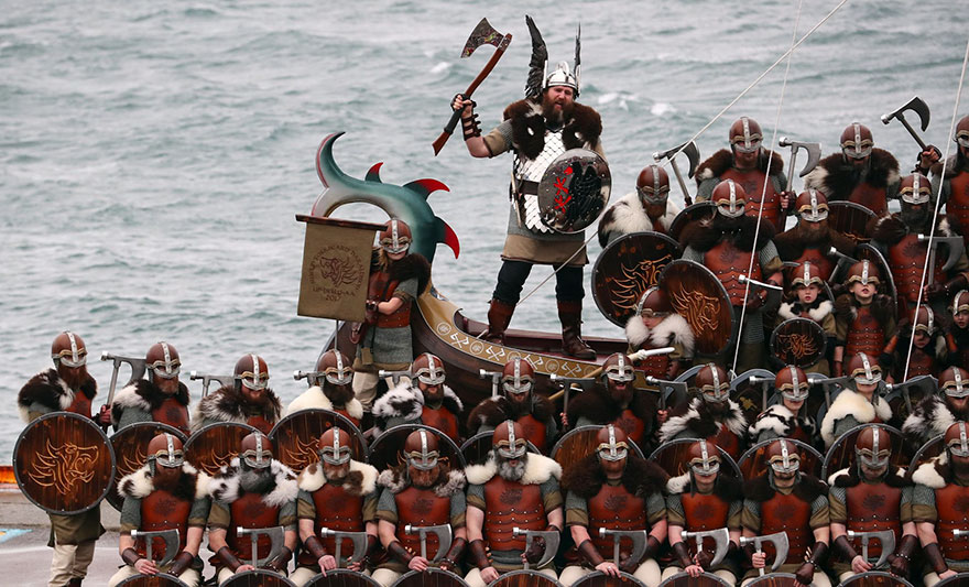 Festivalul legendar al vikingilor, in fotografii epice - Poza 1