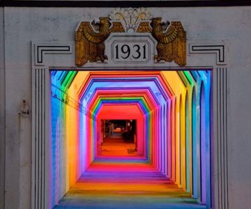 Milioane de culori intr-un pasaj din Birmingham