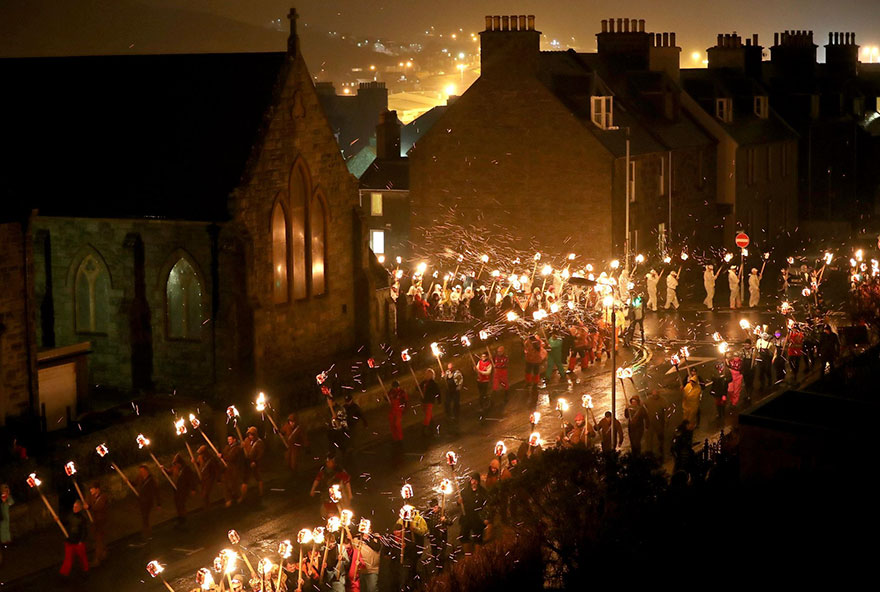 Festivalul legendar al vikingilor, in fotografii epice - Poza 8