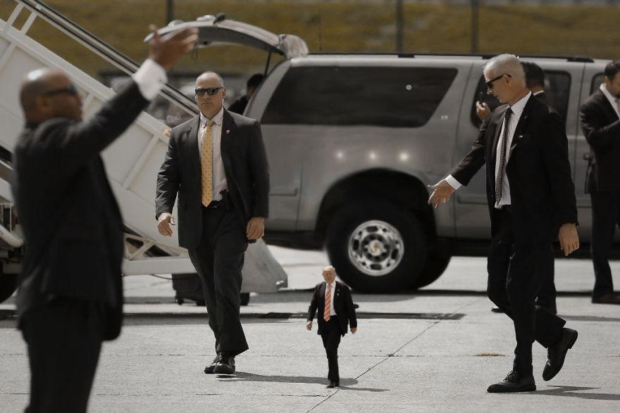 Donald Trump, ridiculizat de internauti, in poze haioase - Poza 10