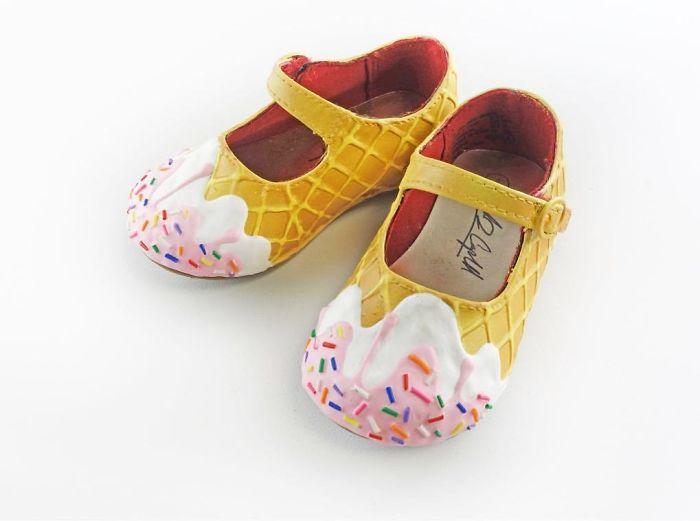 Pantofii cu aspect de prajituri, la mare moda in acest sezon - Poza 7