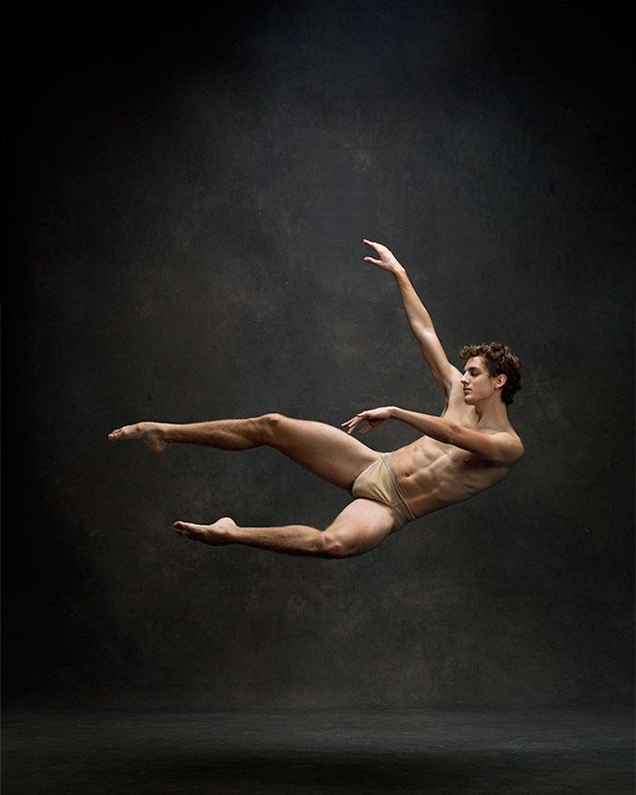 Frumusetea dansului contemporan, in poze superbe - Poza 9