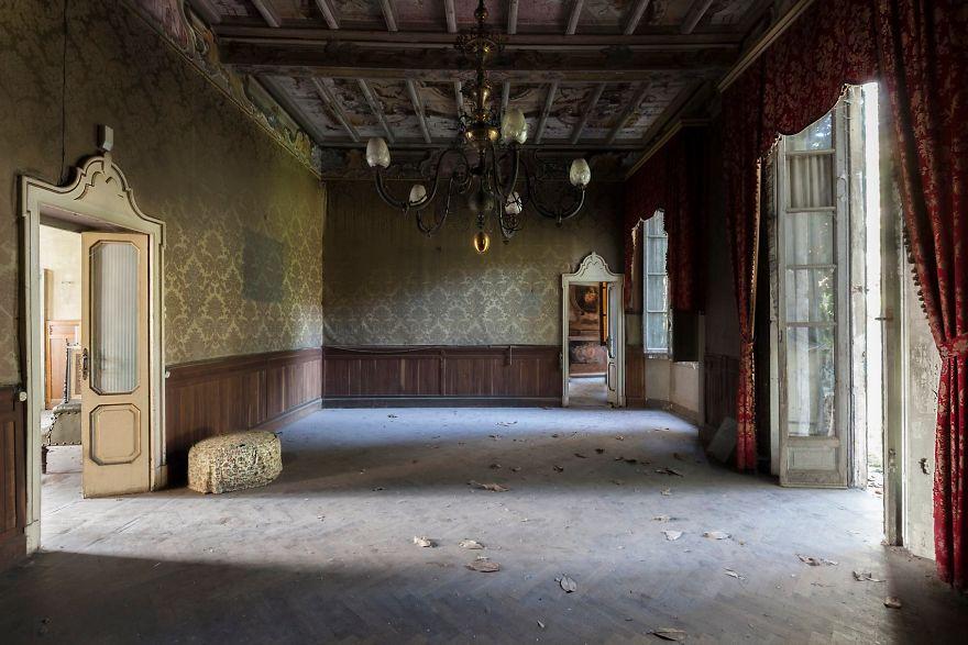 Grandoarea locurilor abandonate - Poza 6