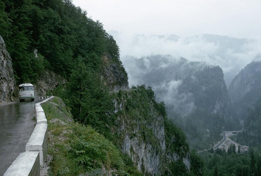 Aventuri memorabile: Cele mai periculoase drumuri din lume - Poza 14