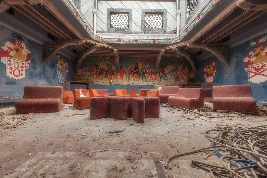 Grandoarea locurilor abandonate - Poza 15