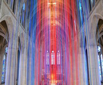 Catedrala impodobita cu 1.000 de panglici