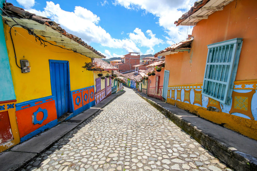 Un deliciu vizual: Cel mai colorat oras din lume - Poza 4