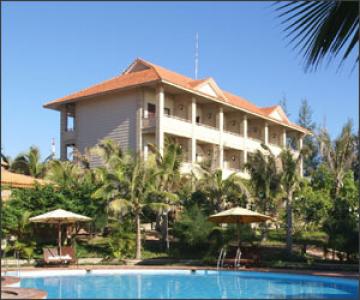 Travel tip: Nu scrie un review negativ despre hotelul in care inca sta