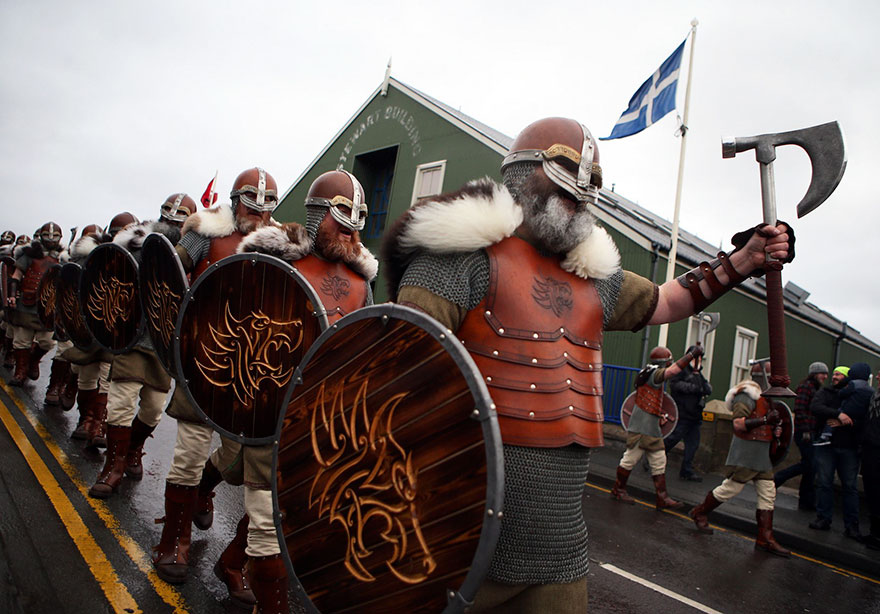 Festivalul legendar al vikingilor, in fotografii epice - Poza 5