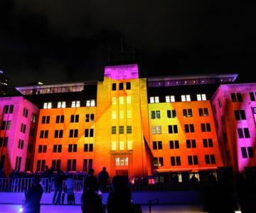 Sydney prinde viata, lumina si culoare