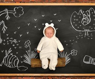 Anna Eftimie si-a desenat bebelusul cu creta