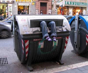 Soc si groaza la Roma: Sculpturi vii de Mark Jenkins