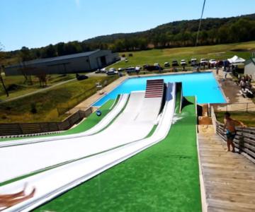 Slip N Slide: De pe tobogan direct in piscina