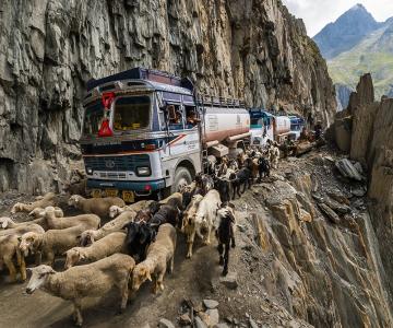 Aventuri memorabile: Cele mai periculoase drumuri din lume