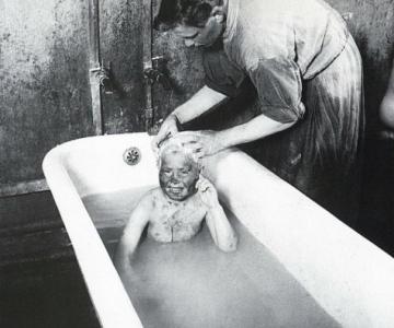 Sapte decenii de fotografie sovietica, in alb si negru