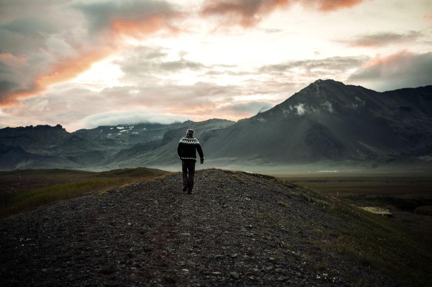 O calatorie spre centru Pamanatului: Islanda - Poza 1
