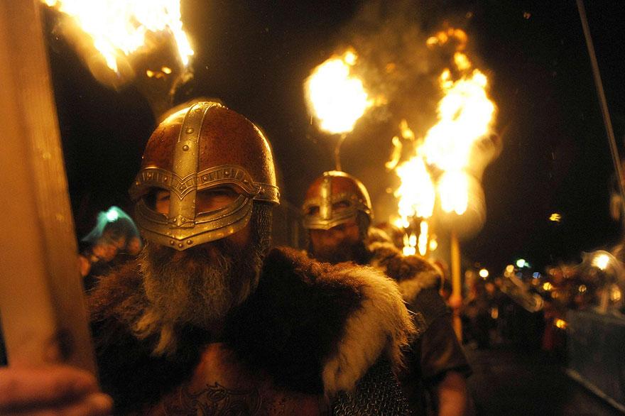 Festivalul legendar al vikingilor, in fotografii epice - Poza 9
