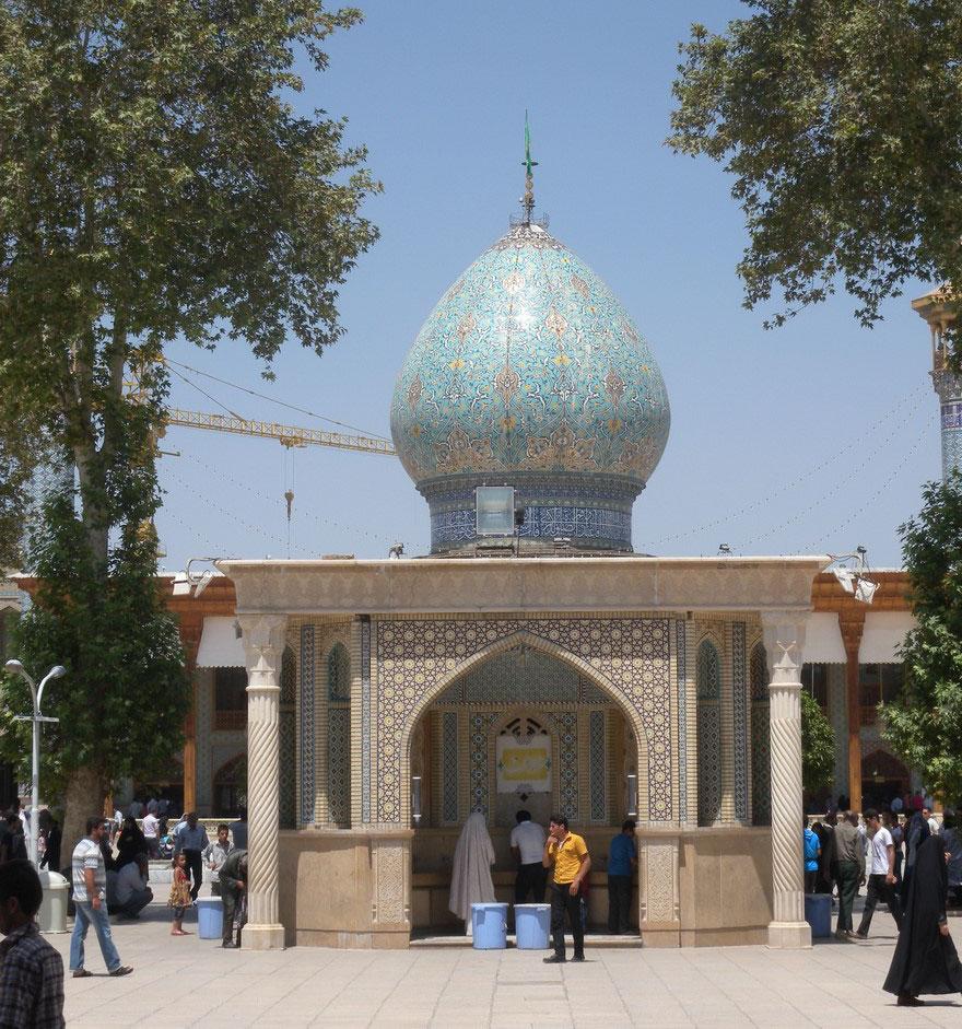 Shah Cheragh: Frumusetea orbitoare a unei moschei - Poza 1
