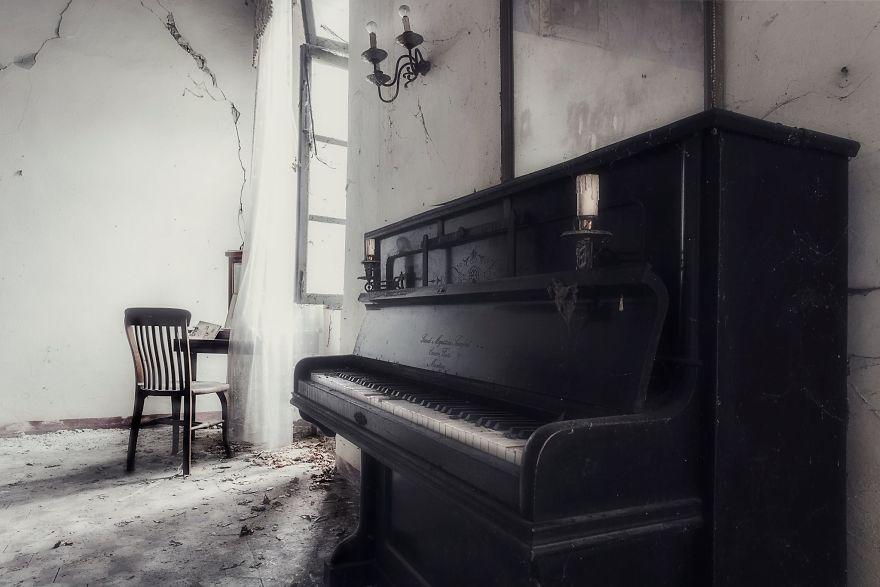 Grandoarea locurilor abandonate - Poza 19