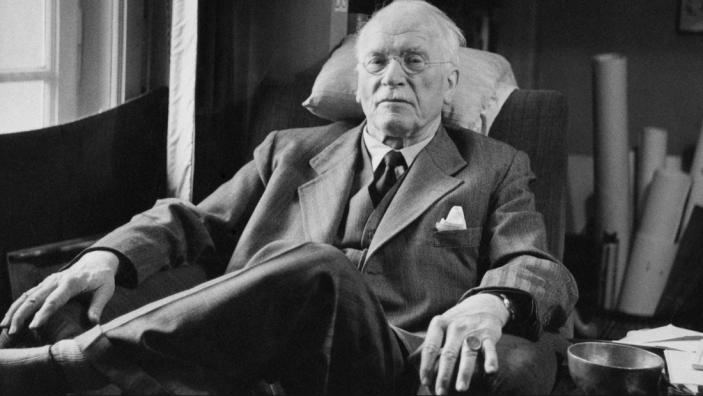 C. Jung: 10+ Cugetari care te ajuta sa te redescoperi - Poza 1
