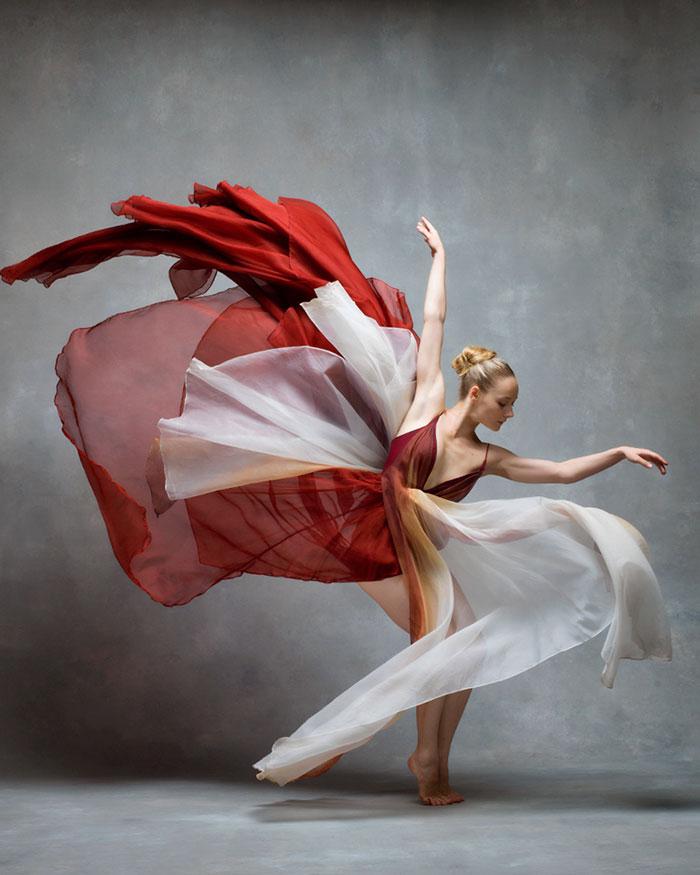 Frumusetea dansului contemporan, in poze superbe - Poza 7