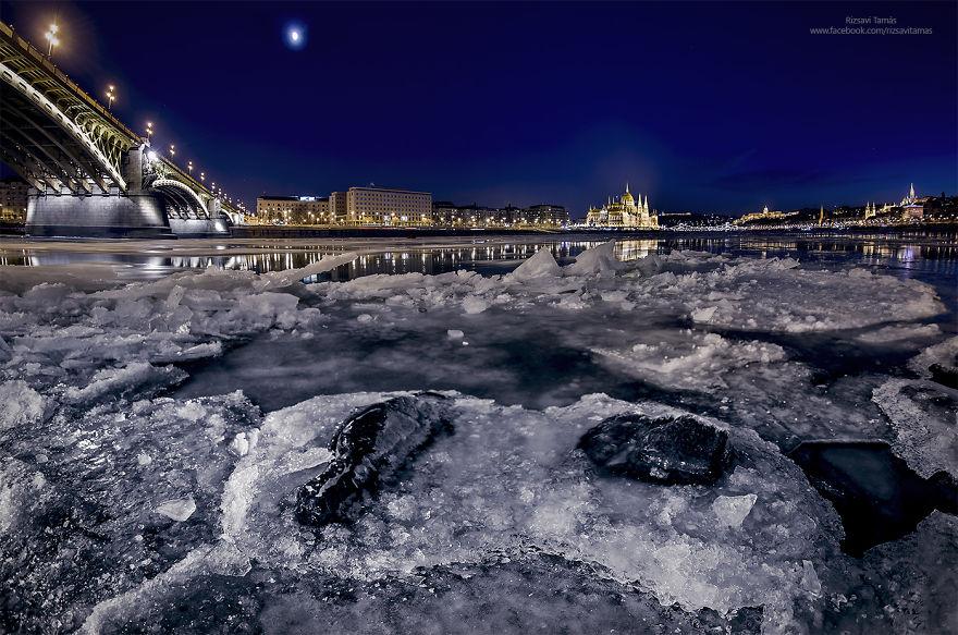 Frumusetea Dunarii inghetate, in poze superbe - Poza 8