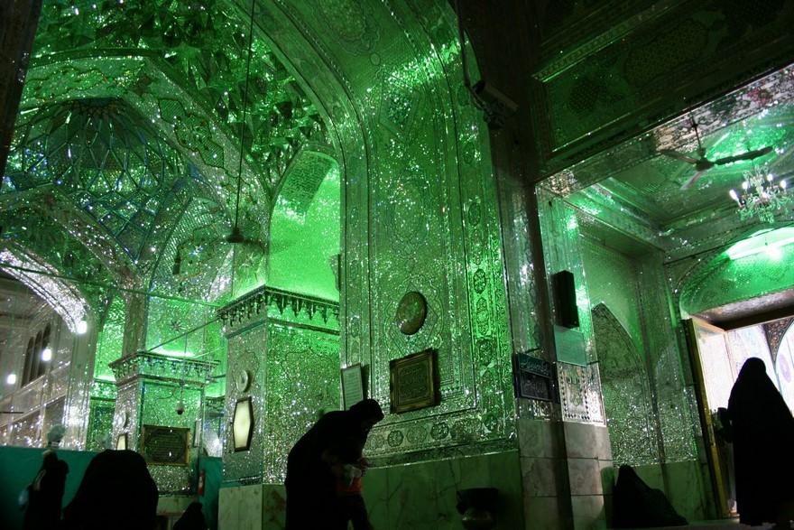 Shah Cheragh: Frumusetea orbitoare a unei moschei - Poza 6