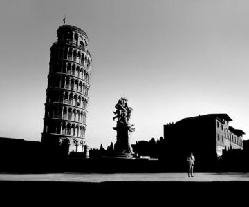 17 fotografii cu monumente ca desprinse din filme