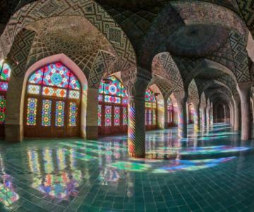 Magia culorilor: Moscheea Nasir al-Mulk, in 11 fotografii superbe