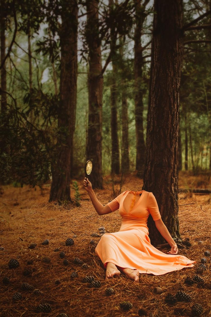 Povestea depresiei, in autoportrete conceptuale - Poza 5