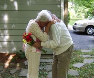Iubire - Alzheimer: 1-0. Cu amintirile rapite de boala, inima lui a ra