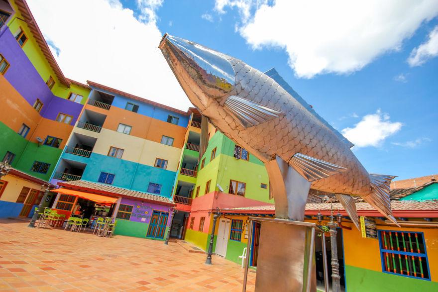 Un deliciu vizual: Cel mai colorat oras din lume - Poza 8