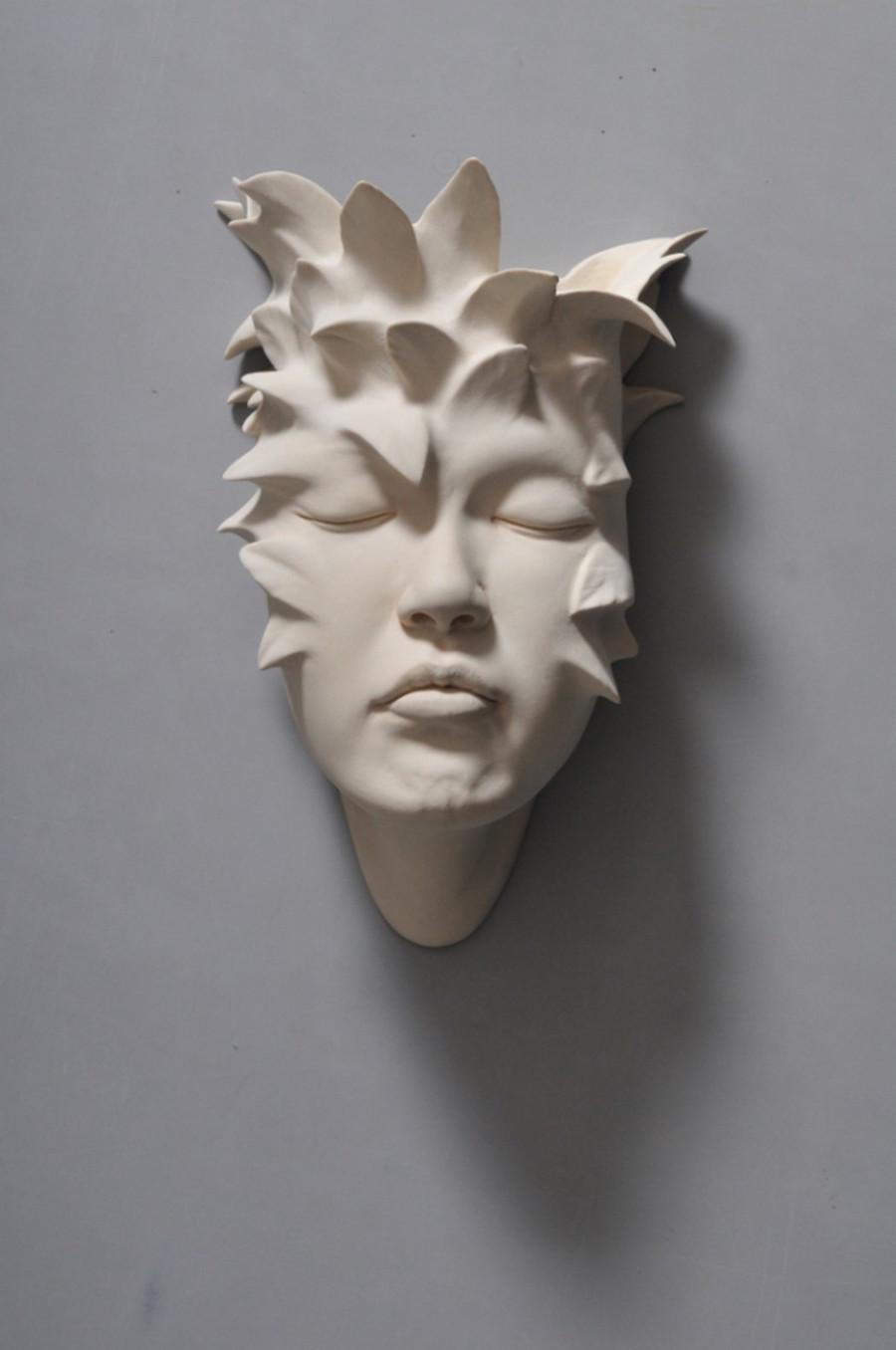 Minti deschise: Sculpturi suprarealiste din portelan - Poza 13