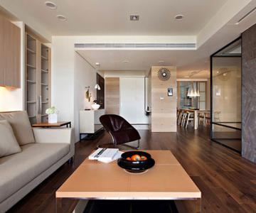 Apartamentul cu un perete mobil