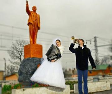 WTF?! Cele mai bizare fotografii de nunta din Rusia