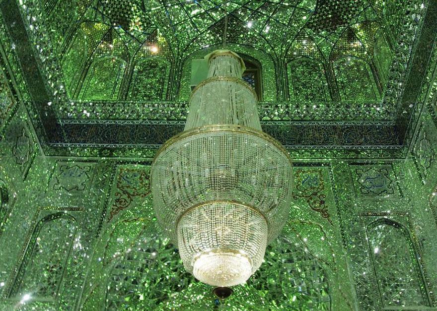 Shah Cheragh: Frumusetea orbitoare a unei moschei - Poza 8