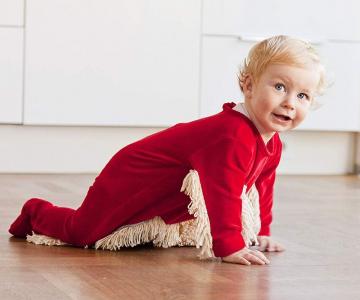 Body-ul cu mop, inventia care schimba viata proaspetelor mamici