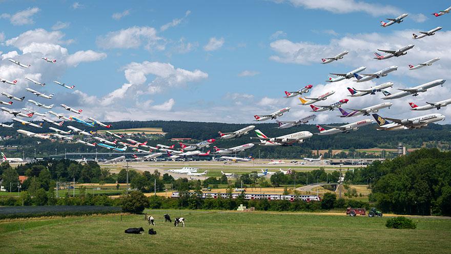 Portrete aeriene: Uimitorul zbor simultan al unor zeci de avioane - Poza 5