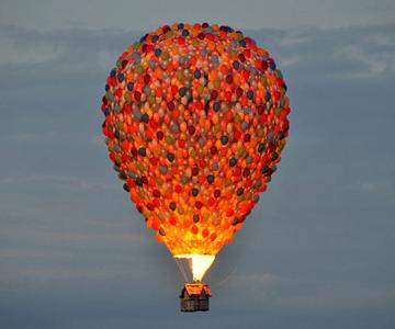 Inconjurul lumii in 540 de baloane Disney