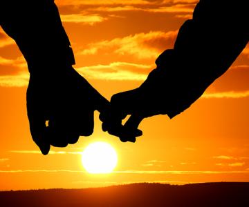 Cantecele sufletelor pereche: Cele mai frumoase poezii de dragoste