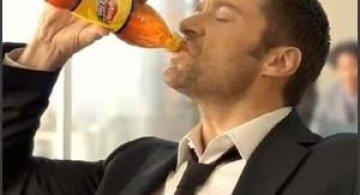 Noua reclama Lipton Ice Tea cu Hugh Jackman